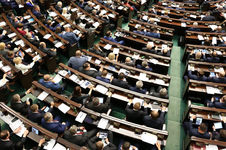 Gdzie ta demokratyzacja? Wszystko, co musisz wiedzieć o prawdziwej reformie Krajowej Rady Sądownictwa
