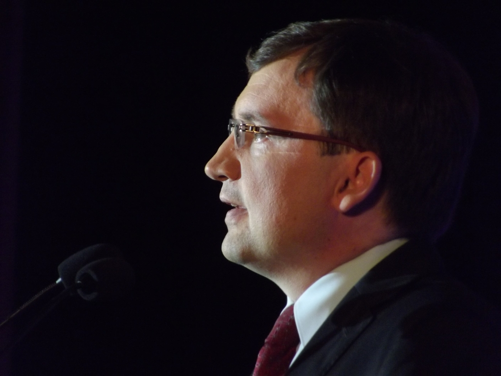 """Poprawy w sądach Polacy długo nie odczują. Wymiar sprawiedliwości na """"dwóję z plusem"""""""