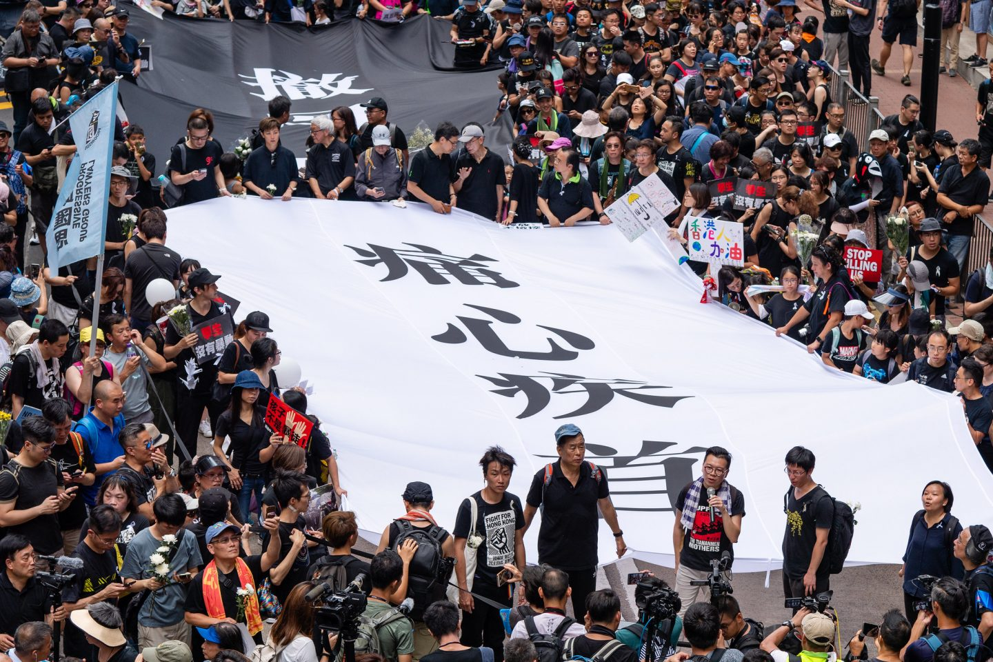 Who will the new extradition law in Hong Kong hit the most?