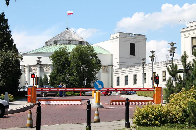 Zamiast upolitycznionego Sejmu Dzieci i Młodzieży potrzebujemy sektorowych rad doradczych