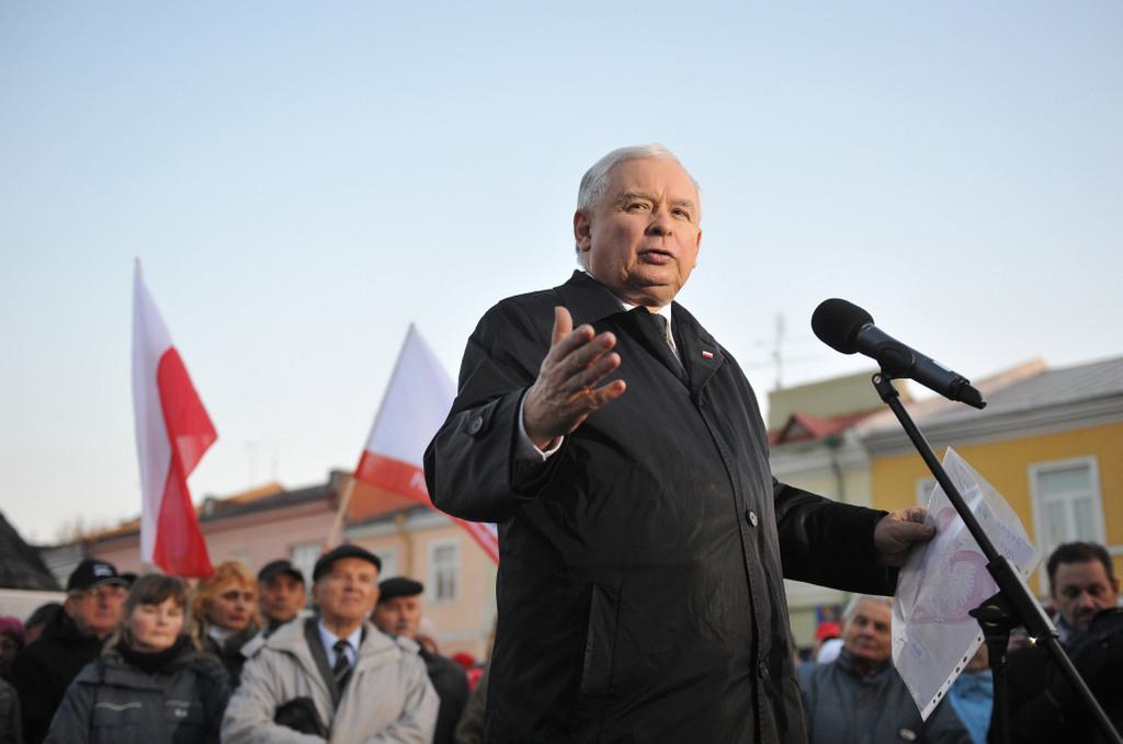 Wicepremier Jarosław Kaczyński i tajne przez poufne. Co przez 200 dni zrobił szef Komitetu Rady Ministrów do spraw Bezpieczeństwa Narodowego i spraw Obronnych?