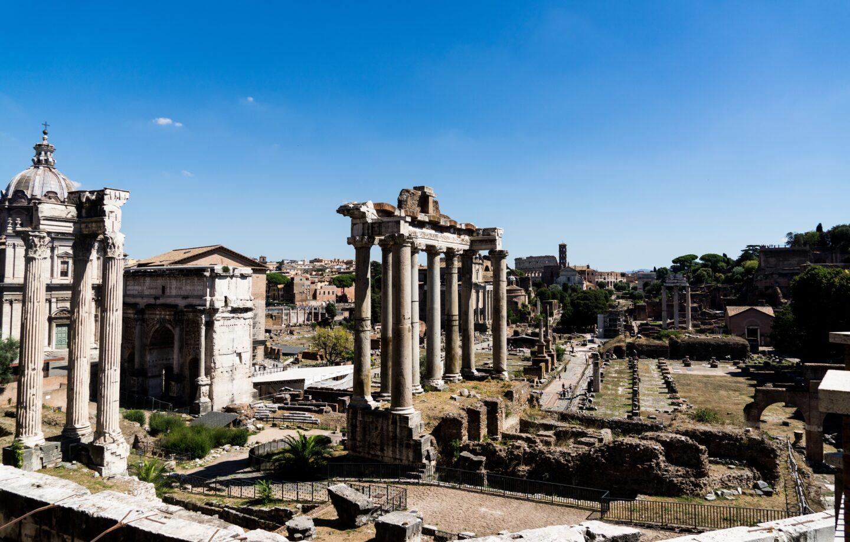 """Czy Rzym upadł z powodu zmian klimatycznych? Omówienie książki """"Los Rzymu. Klimat, choroby i koniec imperium"""" Kyle'a Harpera"""