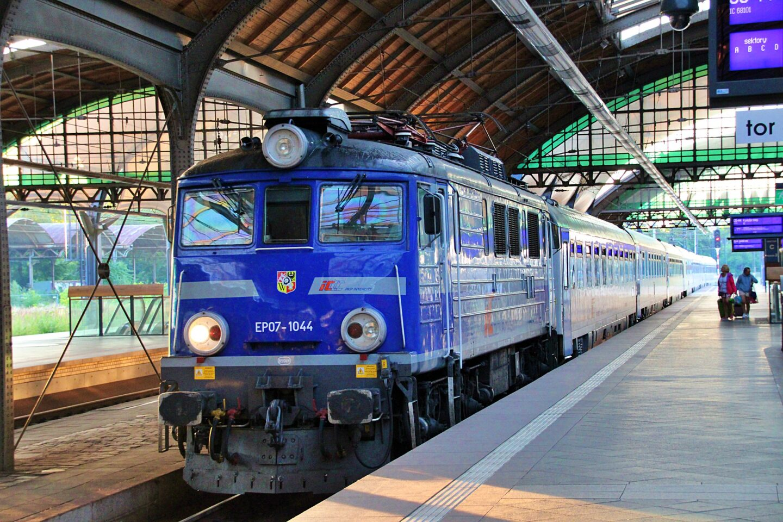 Największy przetarg w historii polskiej kolei. Pesa i Newag razem stawią czoła konkurencji
